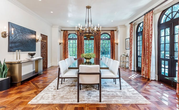 Ultra-luxurious villa on N. Roxbury Drive
