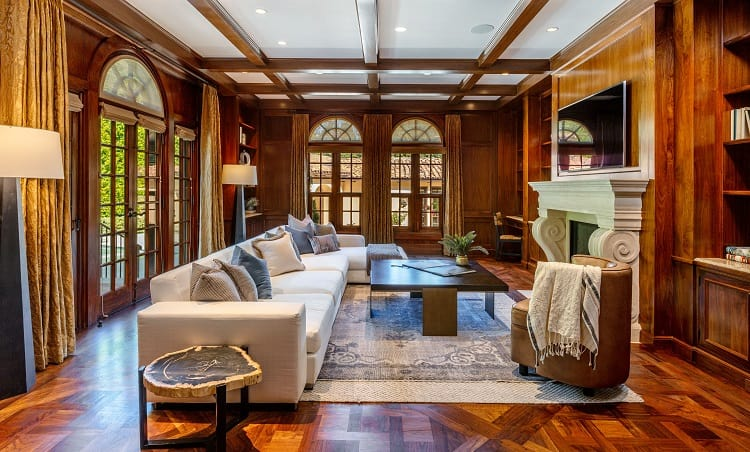 Ultra-luxurious villa on N. Roxbury Drive.