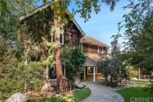 Virtually Tour Dwight's Beet Farm: Rainn Wilson Sells Agoura Hills Home
